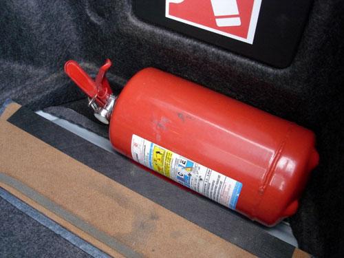 наконец, Регистрация автомобиля огнетушитель хуже