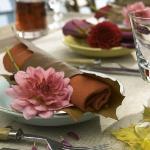 delightful-dahlias-in-table-setting1-3.jpg