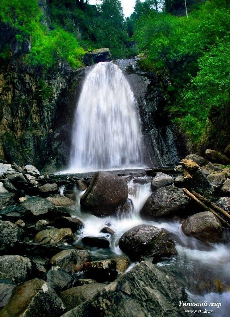 Водопады на реке Шинок на Алтае