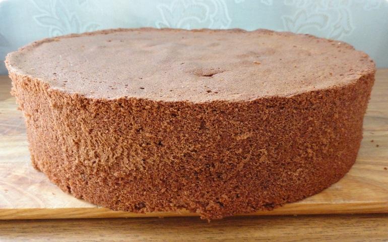 Великолепный шоколадный бисквит без муки: вкусно и полезно