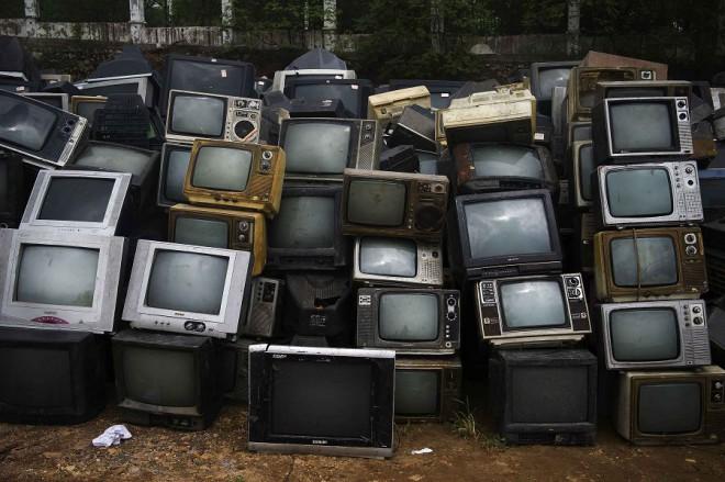 Ученые раскрыли всю правду о 25-кадре. Так вот, что делает с нами телевидение!