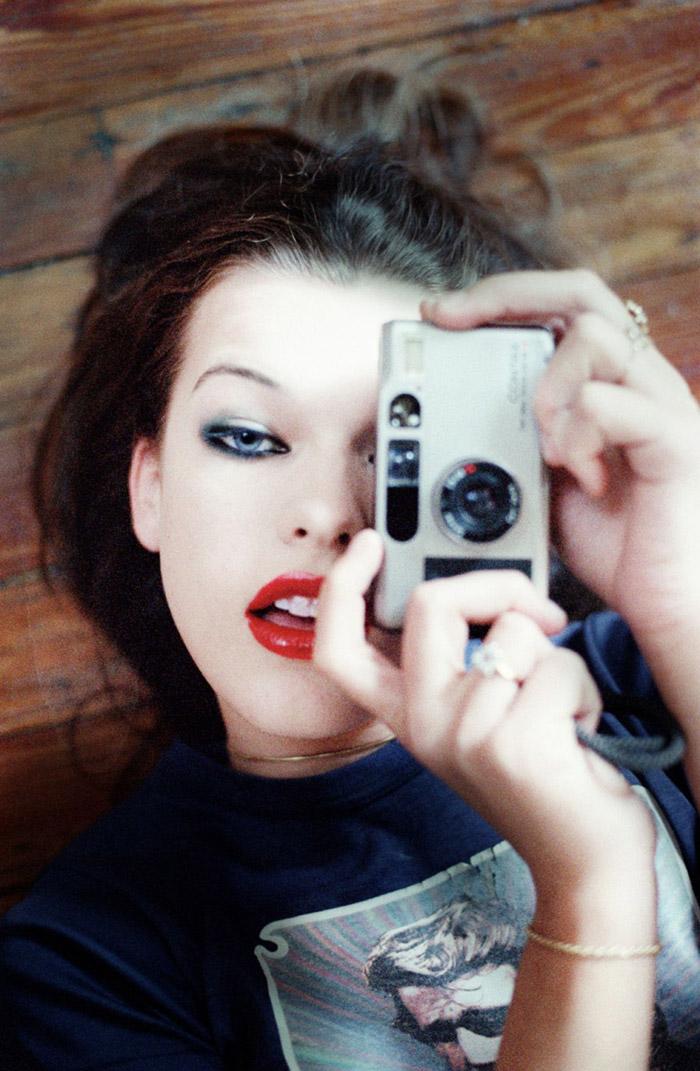Милла Йовович (Milla Jovovich) в фотосессии Криса Флойда (Chris Floyd), фото 2