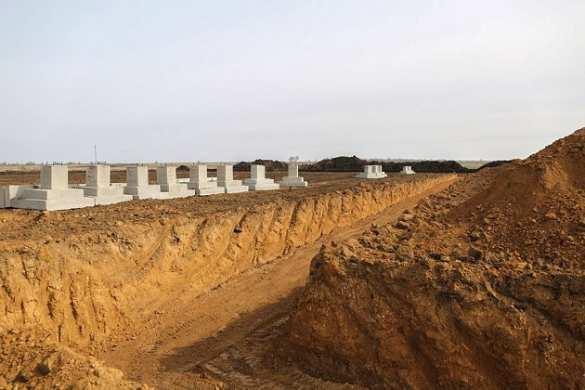 Канава уже есть: наУкраине начали строительство «крупного военного комплекса» (ФОТО)