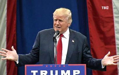 Трамп назвал пресс-секретаря Белого дома глупым