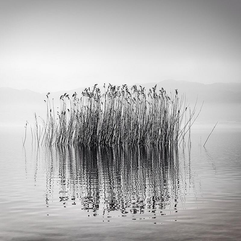 Чёрно-белые пейзажи, уходящие за пределы реальности. Фотограф Джордж Дигалакис 2