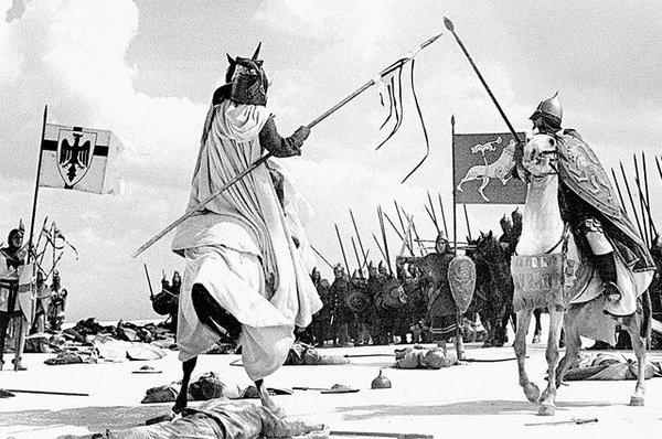 На сколько русский дружинник был тяжелее тевтонского рыцаря времен Ледового побоища