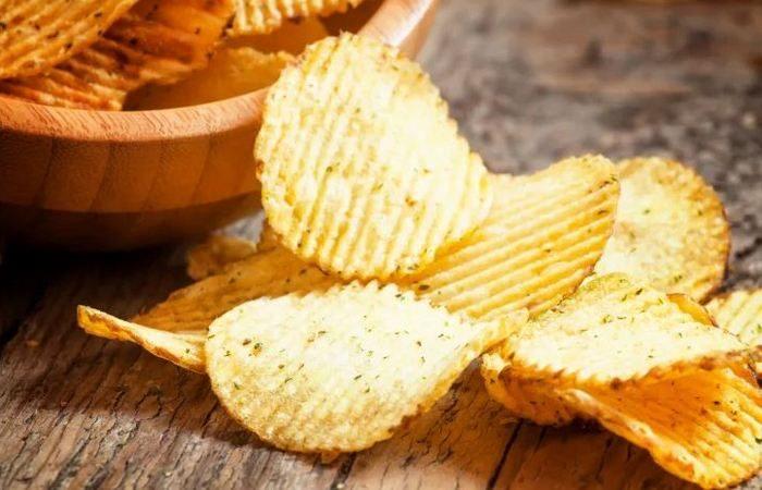 Зачем в пачках с чипсами нужен «воздух» и другие интересные факты о вредном лакомстве