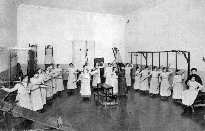30 фотографий Смольного института благородных девиц, где воспитывали лучших фрейлин и добропорядочных жён