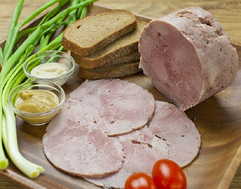 Положи в жестяную банку рукав с куриным мясом. Через час ты получишь королевское блюдо. Повезло, что нашла этот рецепт