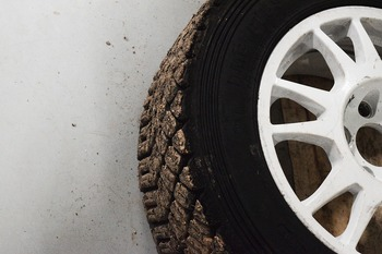 В Москве призывают автовладельцев  поменятьрезину на зимнюю