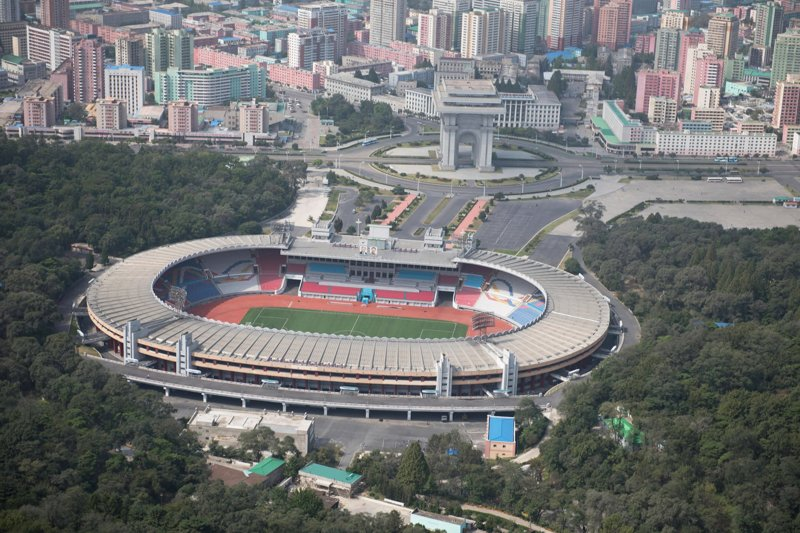 Домашняя площадка сборной Северной Кореи по футболу, стадион имени Ким Ир Сена способен вместить до 90 тысяч зрителей Арам Пан, Пхеньян, видео, красота, редкие кадры, с высоты, фотограф