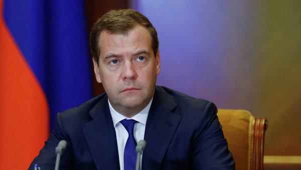 Медведев не ждет отмены западных санкций