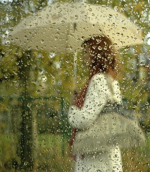 И дождь холодный- прозою в стекло