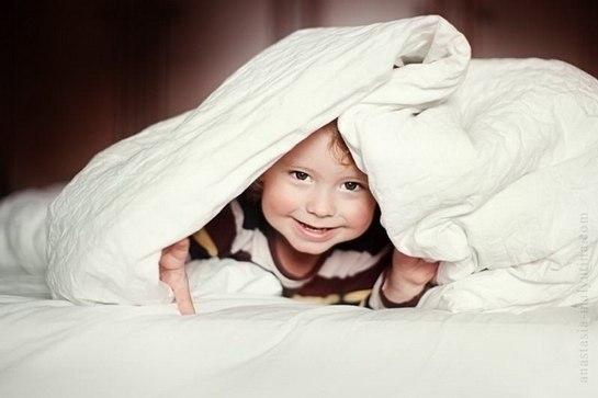 Чем занять ребенка вечером? (14 спокойных игр). Учим ребёнка плавать. Это важно!
