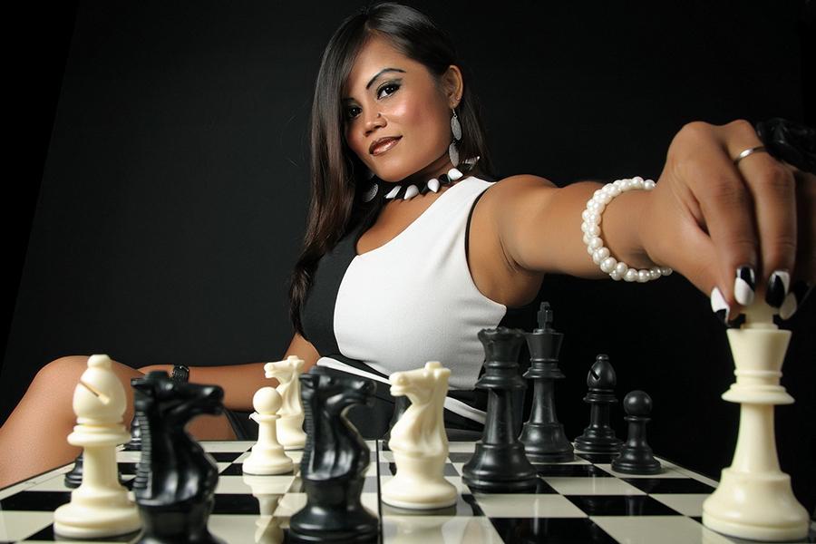Женщина в активной позиции