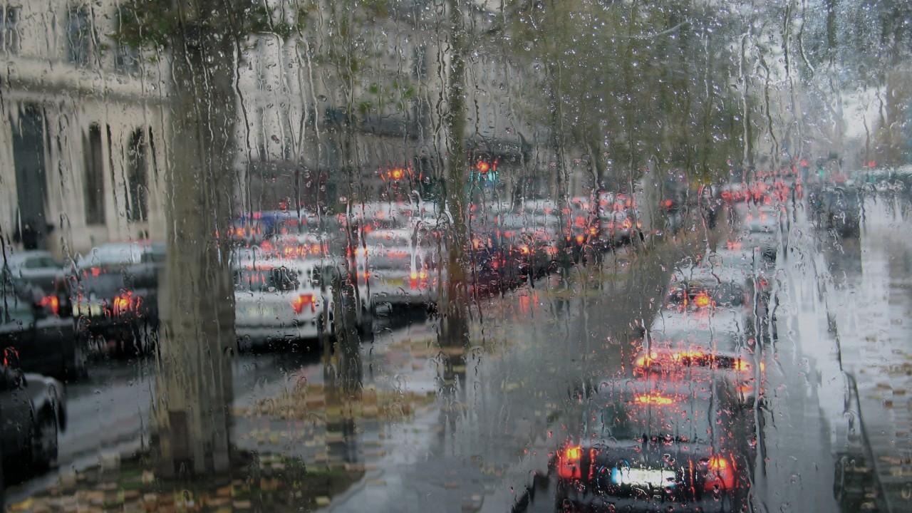 Как правильно водить в дождь