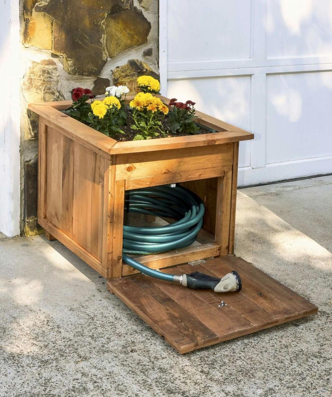 Хранение садового шланга