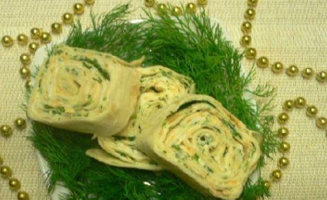 Рулет с яйцом и плавленым сыром