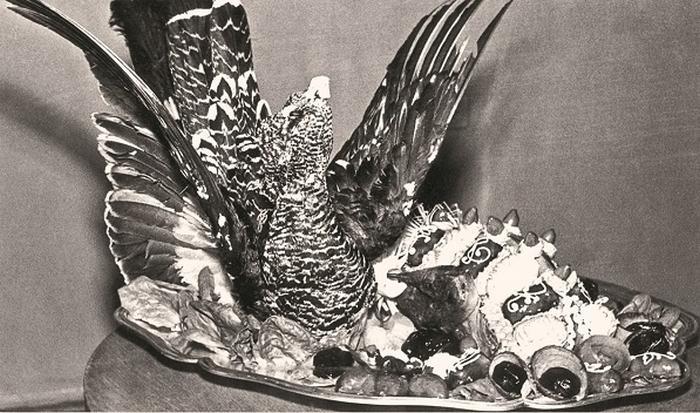 Банкетное блюдо из кремлёвской кухни *Фазан в полёте*. 1968 год.