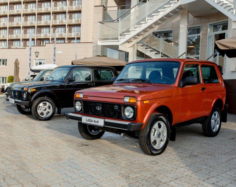 АвтоВАЗ выпустил две новые версии Lada 4x4