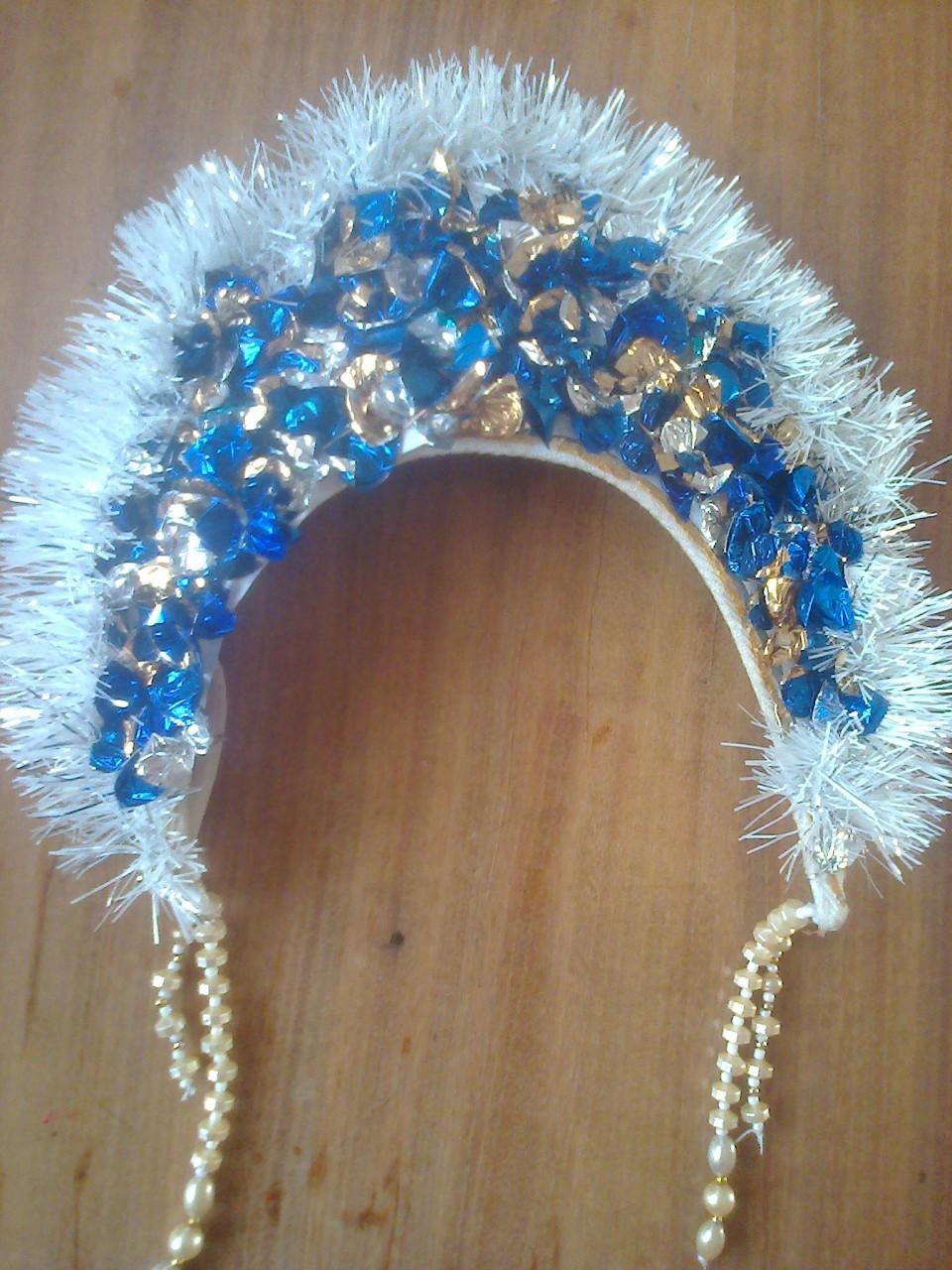 Как украсить корону снегурочки своими руками