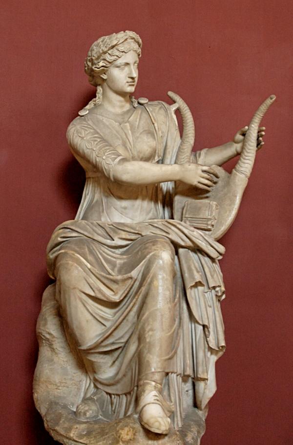 Девять муз Древней Греции: чем вдохновляли творцов и какими дарами обладали?