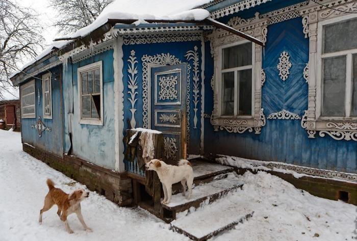 Снаружи этот дом кажется вполне обычным. Но только посмотри, как он выглядит внутри…