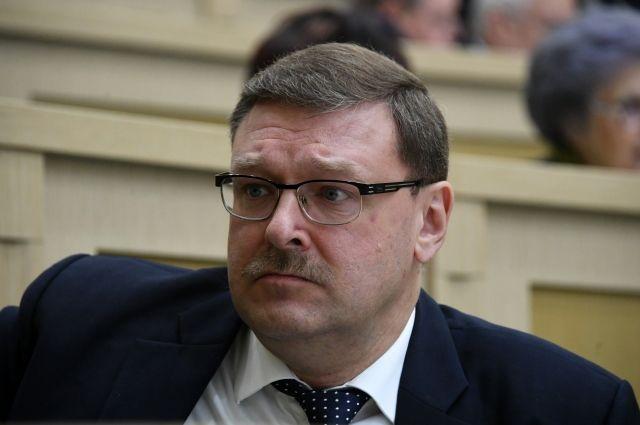 Косачев заявил, что МИД Польши меняет профессионалов на политработников