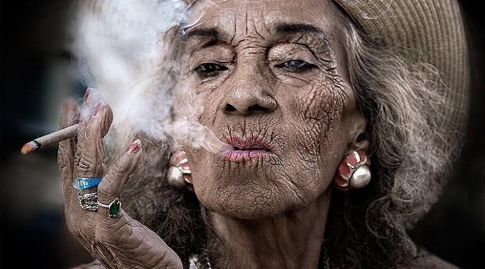 А вот не надо дразнить! Тут даже у старушки за 80 может лопнуть терпение!