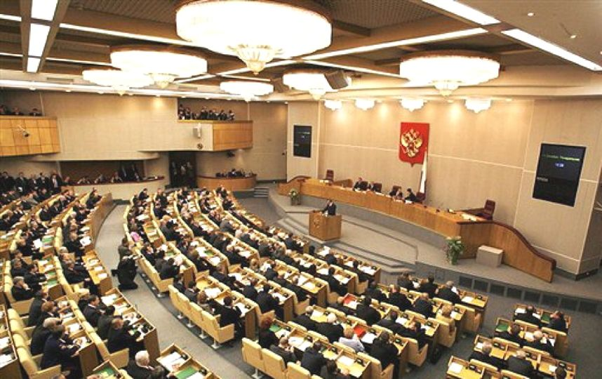 Салат за 72 рубля, борщ – за 88: Меню и цены буфета Госдумы обсуждают в Сети