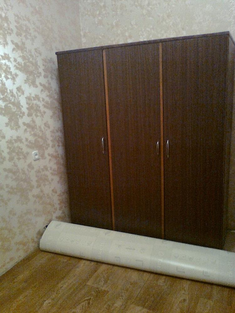 Сделали красивый ремонт, но старый шкаф не вписывается...Знакомый дизайнер подсказал решение!