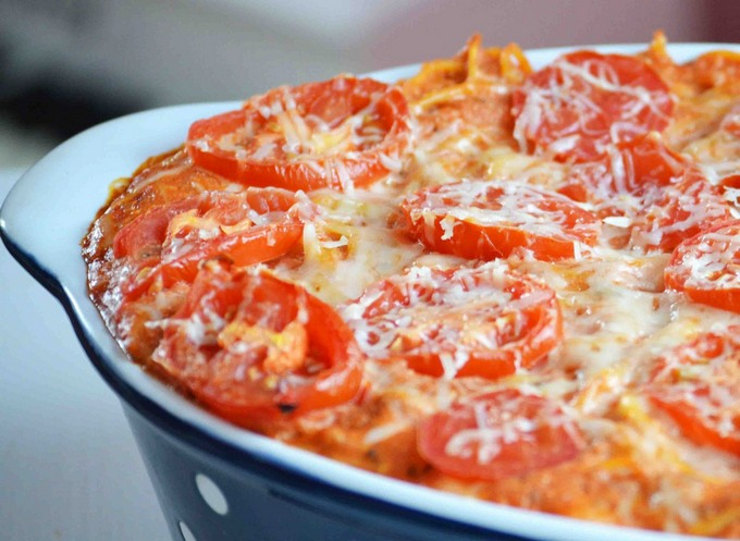 Макароны запеченные с помидорами