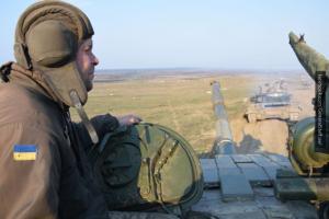 Хроника Донбасса: Порошенко нагло врет о потерях ВСУ, Генштаб бешено тянет технику на фронт