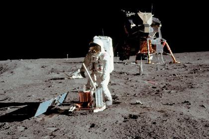 В России сообщили о невозможности полетов космонавтов на Луну Original