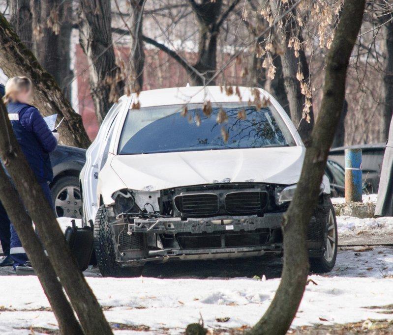 В Москве злоумышленники ночью разобрали припаркованный BMW