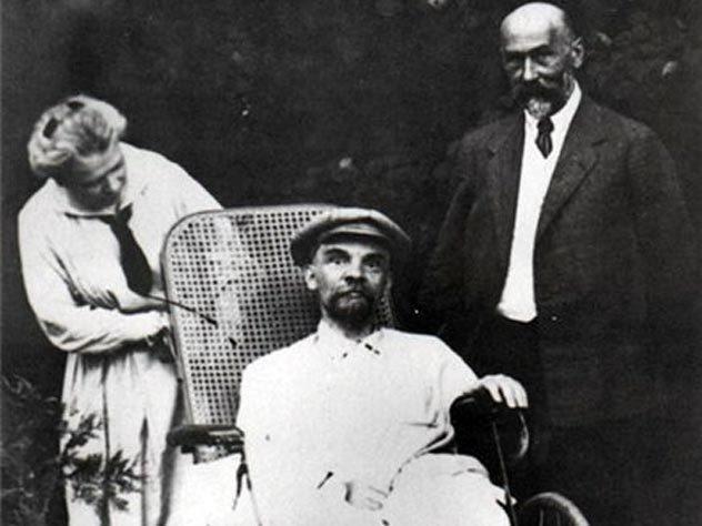 Откуда взялись восемь разных заключений о странной смерти Ленина