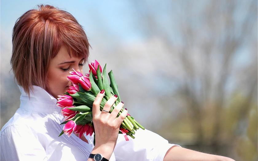 девушка, тюльпаны, запах, букет, цветы