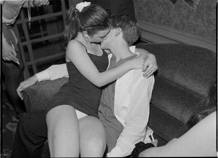 «Агония и экстаз»: гормонально заряженные фотографии юных влюбленных из 90-х