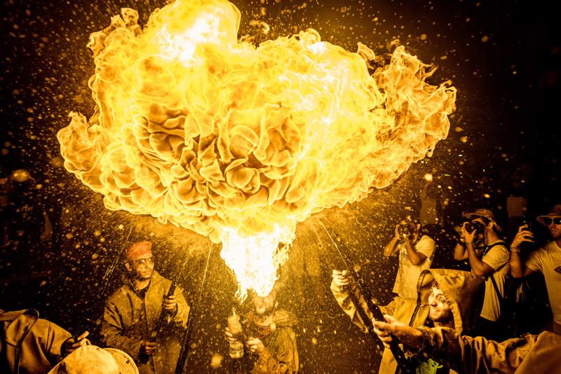 Огненная феерия на испанском празднике Санта-Текла