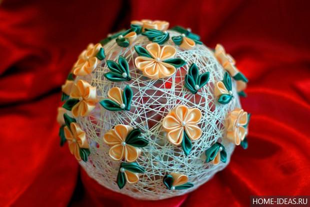 Новогодние шары своими руками на 2017 год: пошаговые мастер-классы (30 фото-идей)