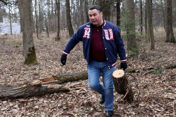 Нашелся один приличный губернатор Игорь Руденя. <br /> Он ясно сказал: экология - это не бизнес!