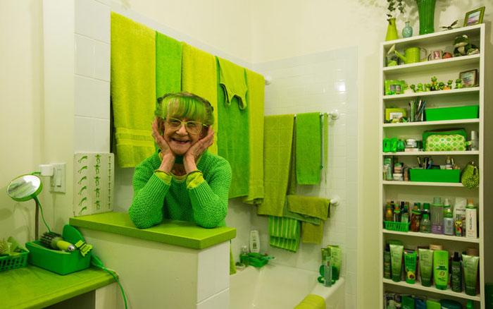 Зеленая леди из Бруклина: эксцентричная леди, которая одевается только в зелеую одежду