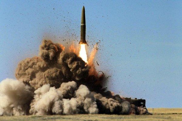 """США выйдут из договора о РСМД, а Россия в ответ накроет Европу """"Искандерами"""""""