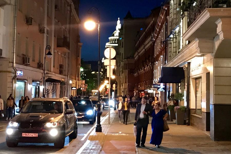 Как гуляет модная ночная Москва