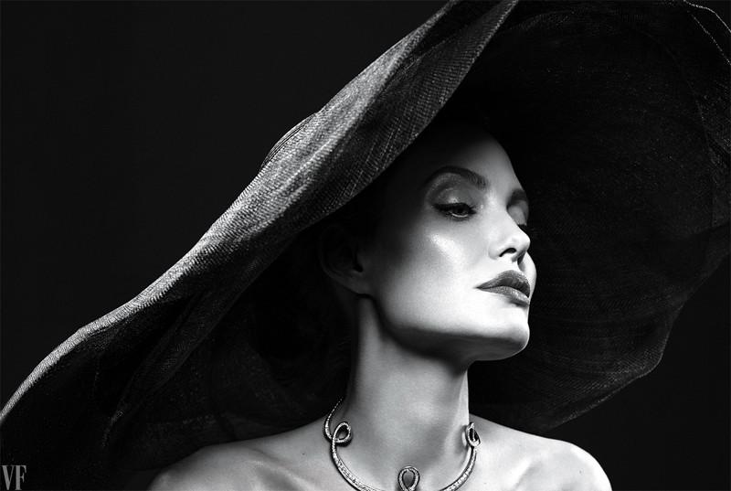 Анджелина Джоли оправляется после развода