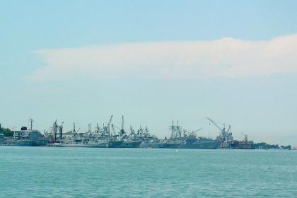 Мятежники захватили фрегат с командующим ВМС Турции