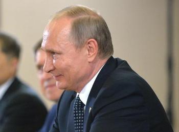 Владимир Путин поздравил мужскую сборную РФ по биатлону с победой на ЧМ