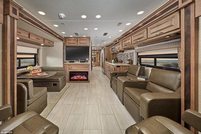 Как выглядит дом на колесах за 300 000 долларов