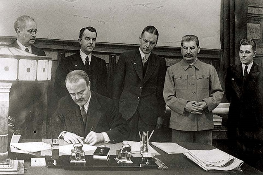 О польском гоноре (стенограмма беседы со Сталиным)