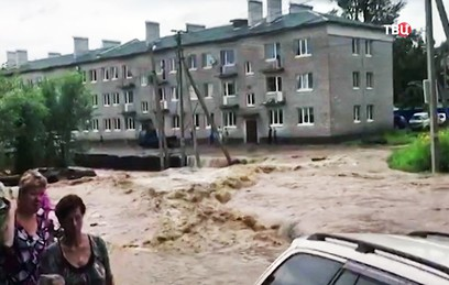 "Тайфун ""Нору"" накрыл Приморский край. Видео"
